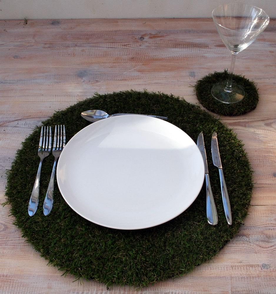 Circular artificial grass table place mats and coaster