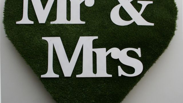 Wedding hire prop a 1.2M tall wedding heart with optional lazer cut lettering