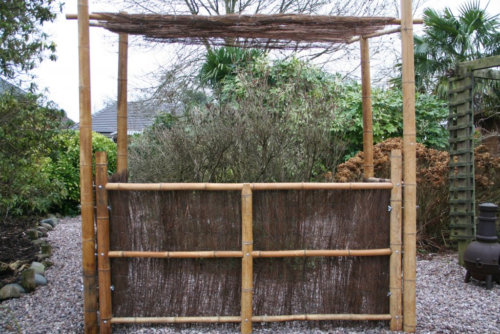 Hire a bamboo Tiki bar for themed events